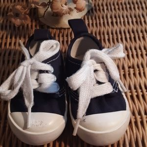 BABY GAP NAVY BLUE CANVAA SNEAKERS SIZE 2